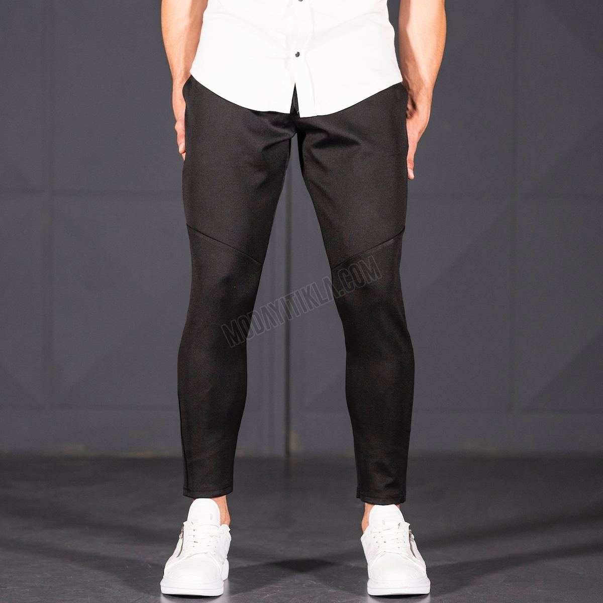 Erkek Dar Paça Fit Çizgi Dikiş Detaylı Siyah Pantolon