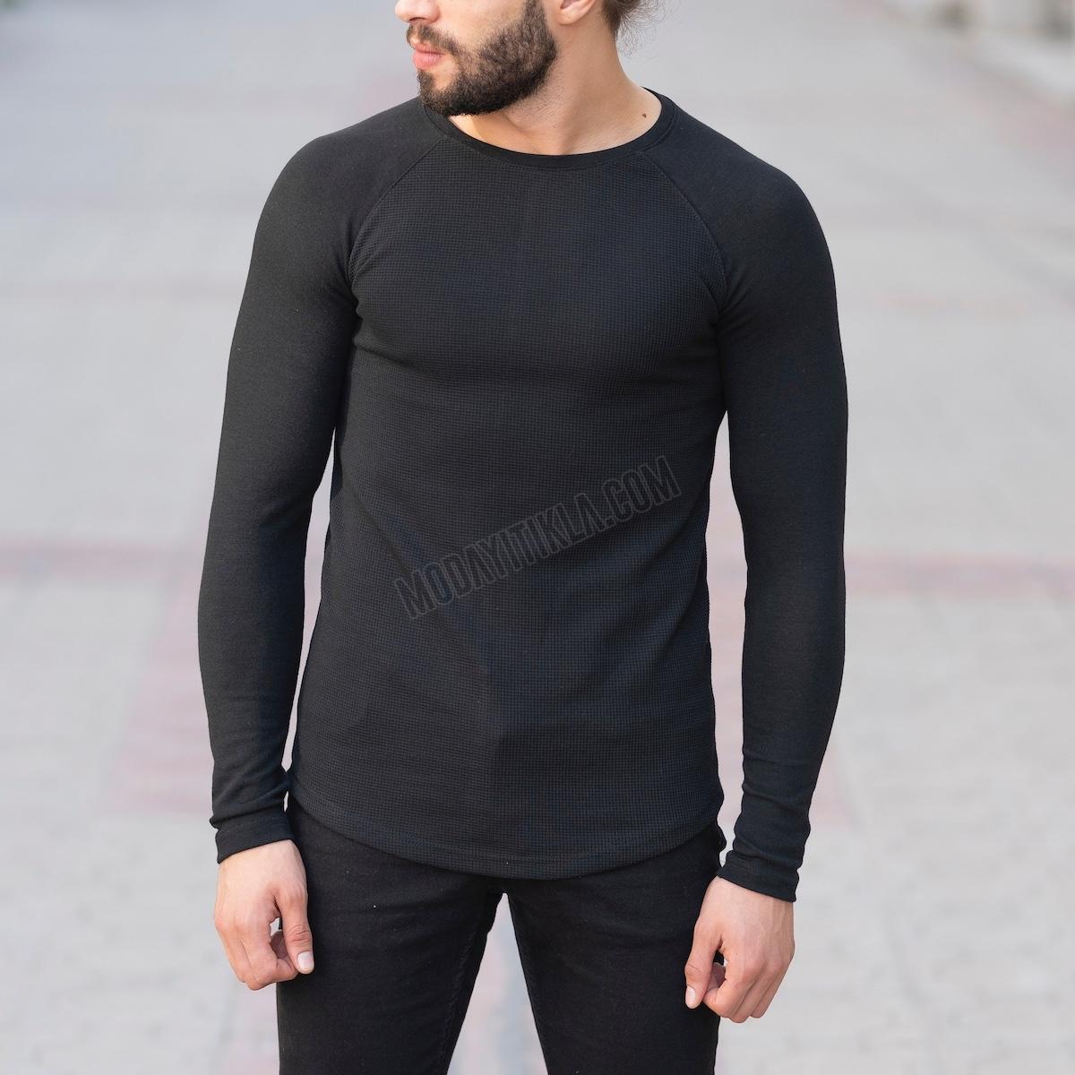Erkek Gövdesi İşlemeli Detaylı Siyah Sweatshirt