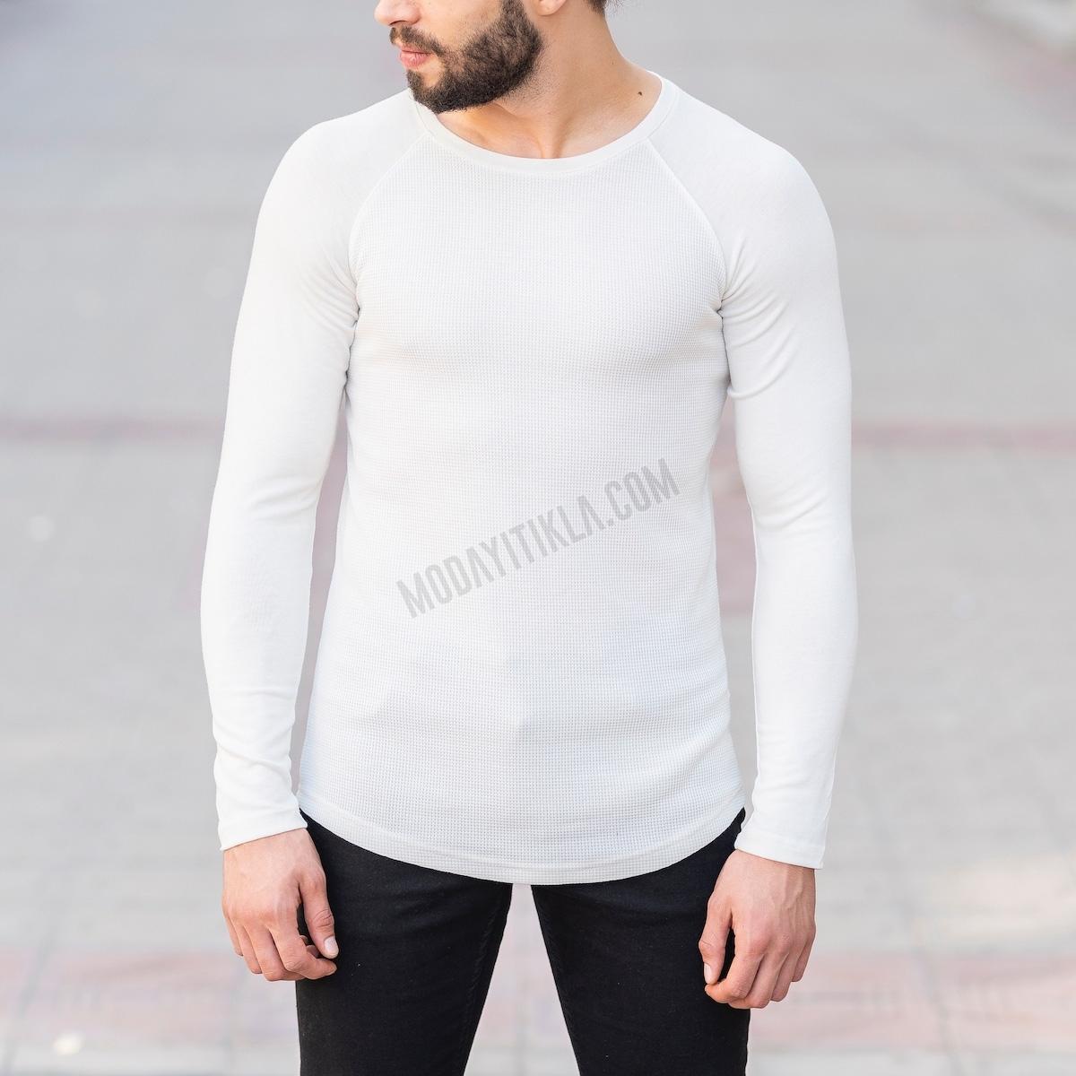 Erkek Gövdesi İşlemeli Detaylı Beyaz Sweatshirt