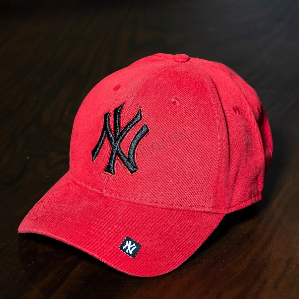 Erkek Kırmızı New York Logolu Şapka