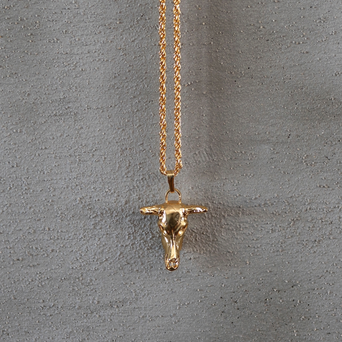 Gold Boğa Boynuzu Uzun Kolye