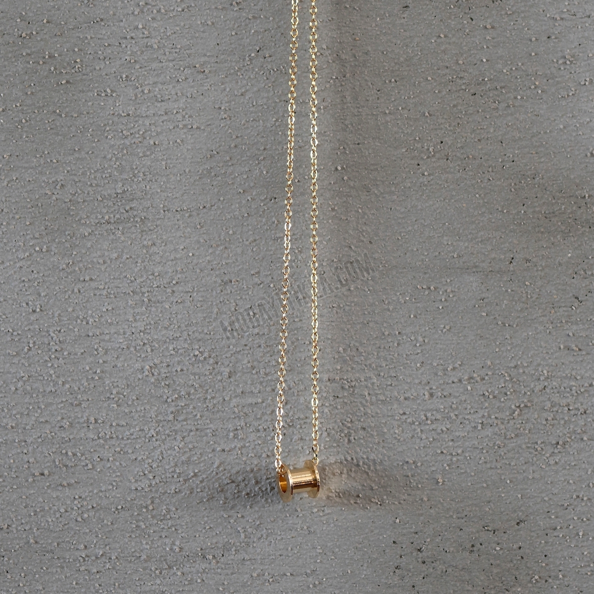 Gold Makara Uzun Kolye