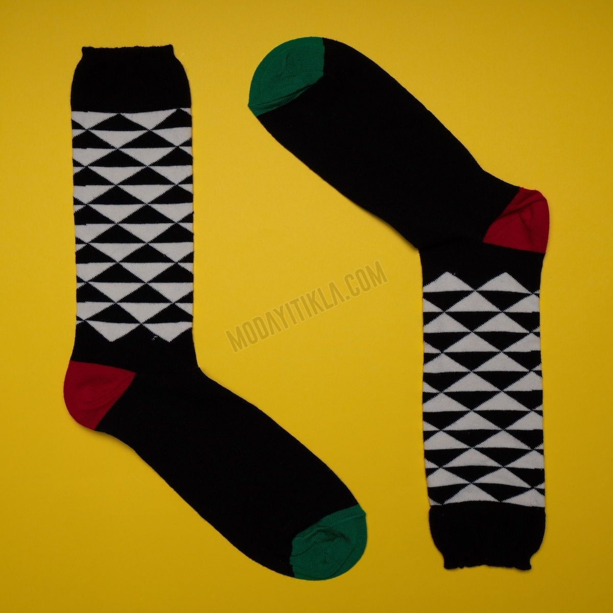 Erkek Piramit Desenli Siyah Çorap