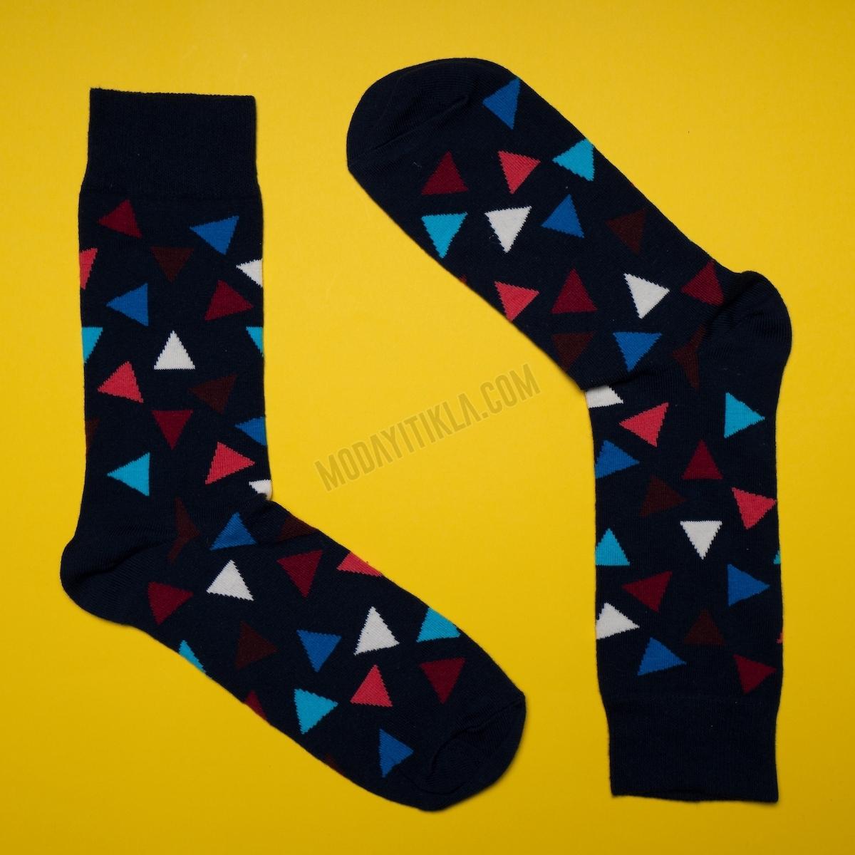 Erkek Üçgen Desenli Siyah Çorap