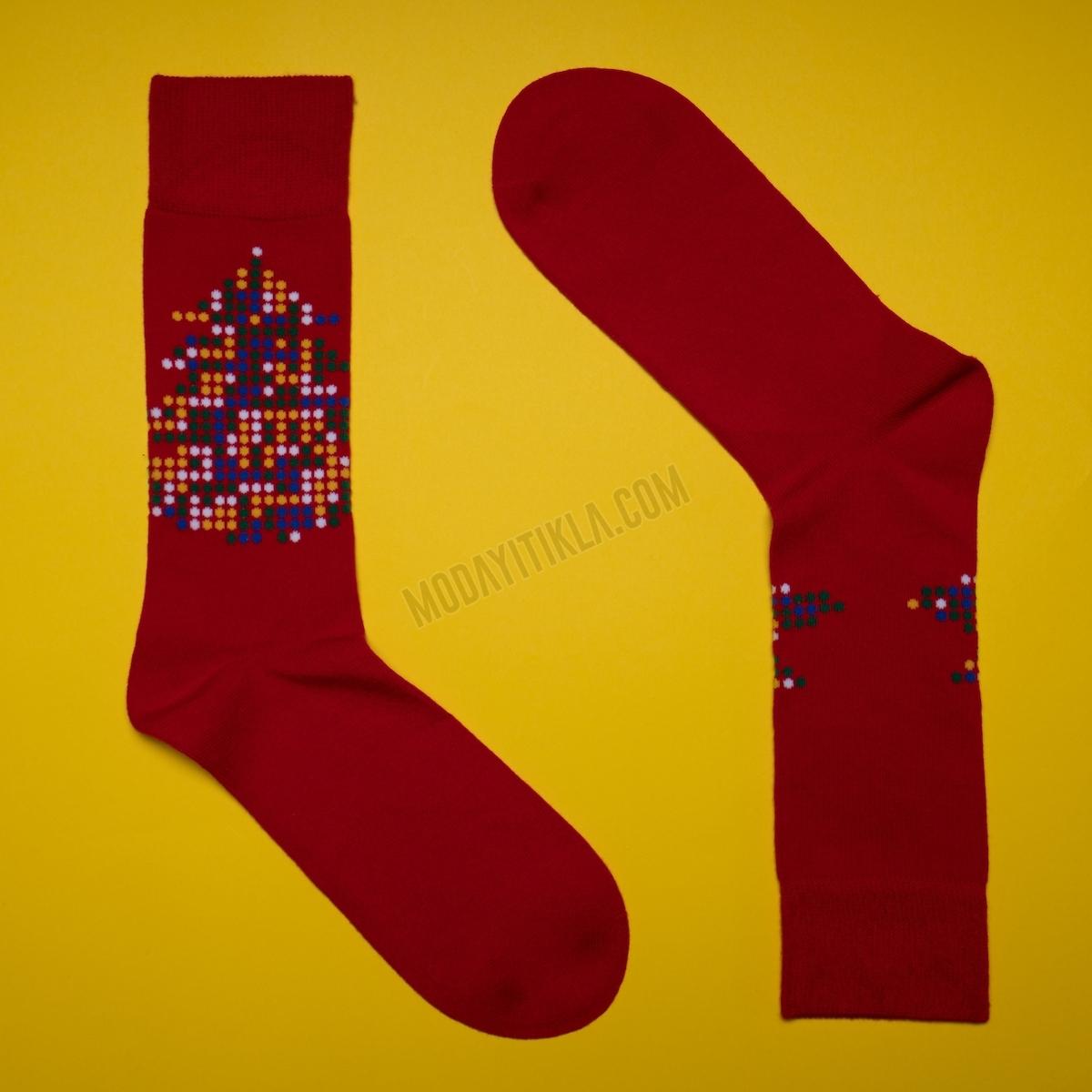 Erkek Çam Ağacı Desenli Kırmızı Çorap
