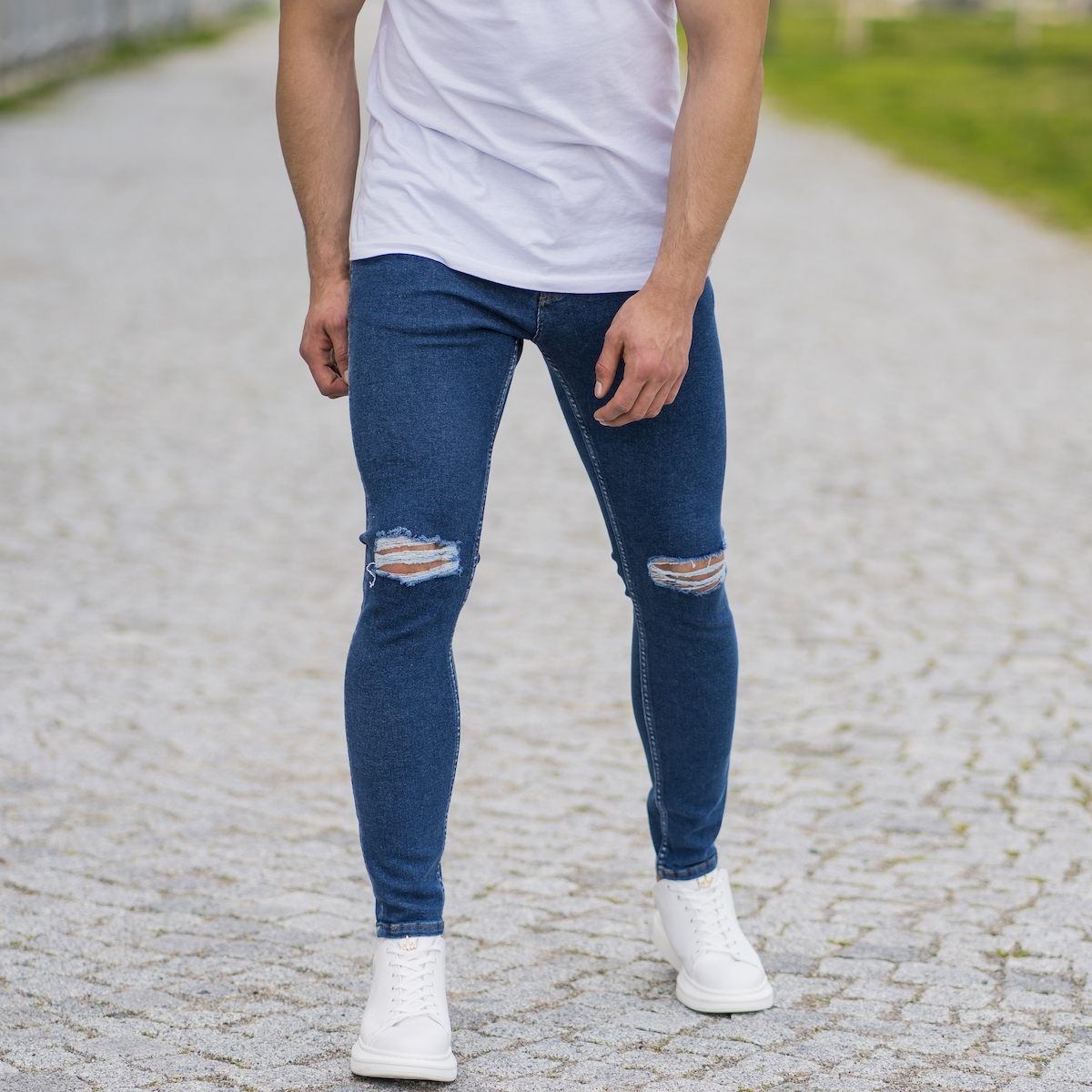Erkek Dizi Yırtık Basic Dar Paça Mavi Kot Pantolon