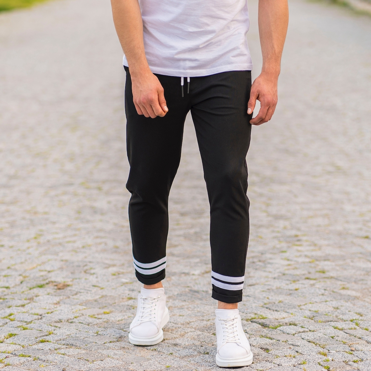 Erkek Dar Paça Fit Paça Şeritli Siyah Kumaş Pantolon