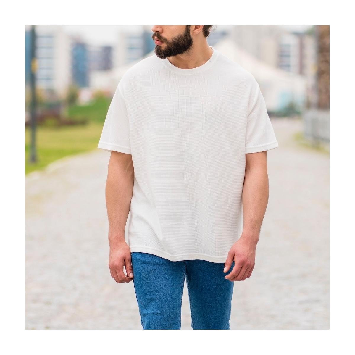 Erkek Kare Petek Dokulu Beyaz Tişört
