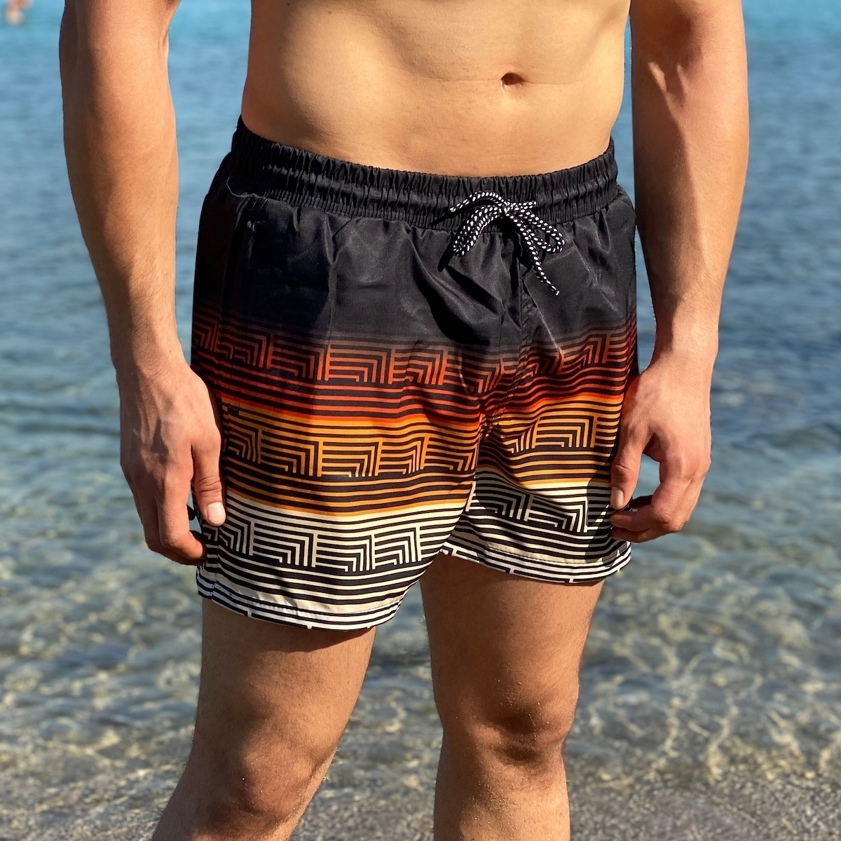 Erkek Geçen Renkler Çizgili Kısa Deniz Şortu
