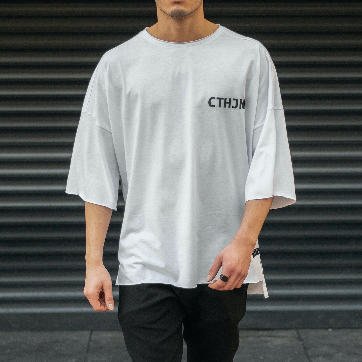 Erkek Kesik Yaka Oversize T-Shirt Yazı Baskılı Beyaz