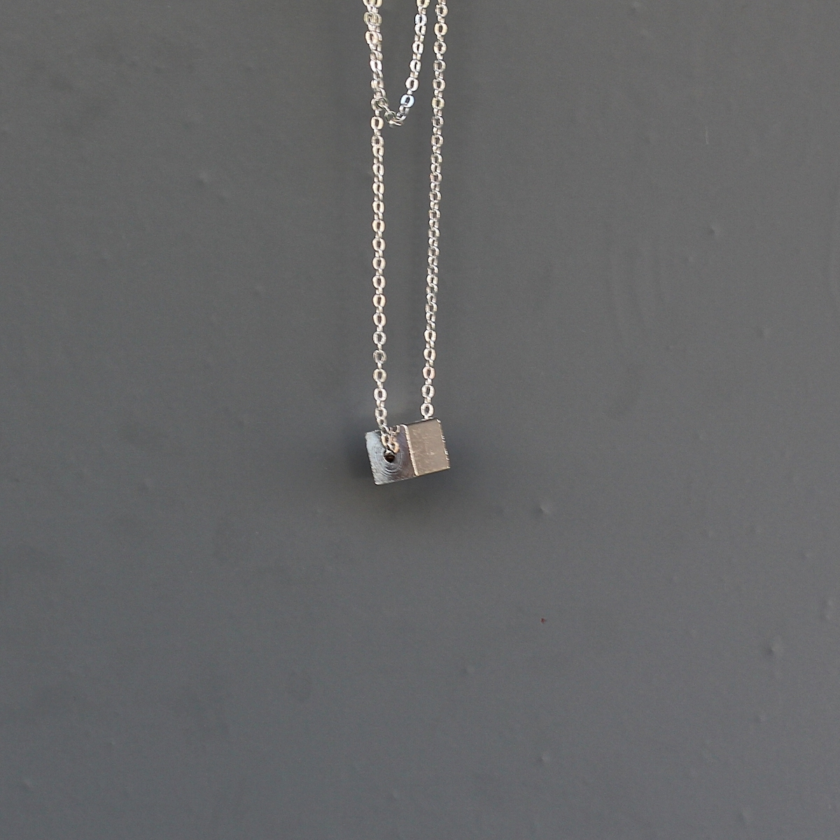 Silver Cube Uzun Kolye