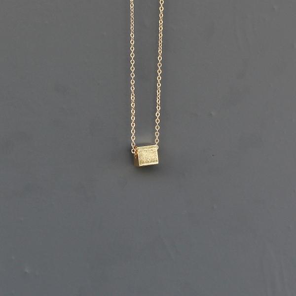 Gold Cube Uzun Kolye