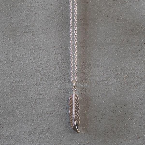 Silver Feather Uzun Kolye